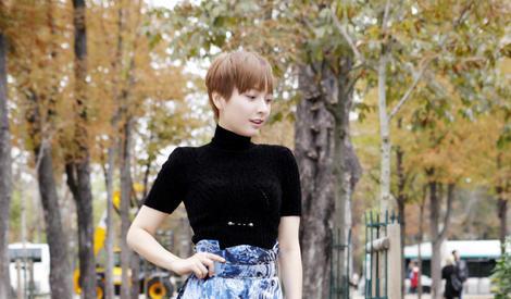即使剪了史上最短的头发,吴昕也还是那个甜美小公主模样
