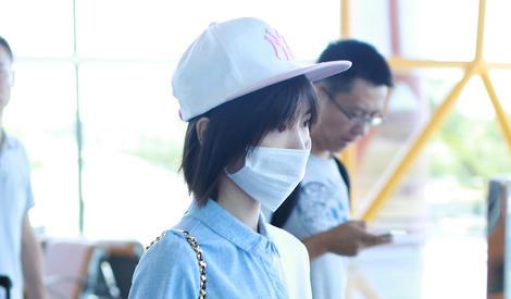 陈翔承认分手,毛晓彤独自现身机场情绪不高