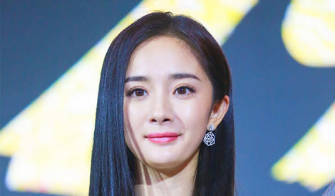 杨幂小表情超可爱,谁叫她是小仙女呢
