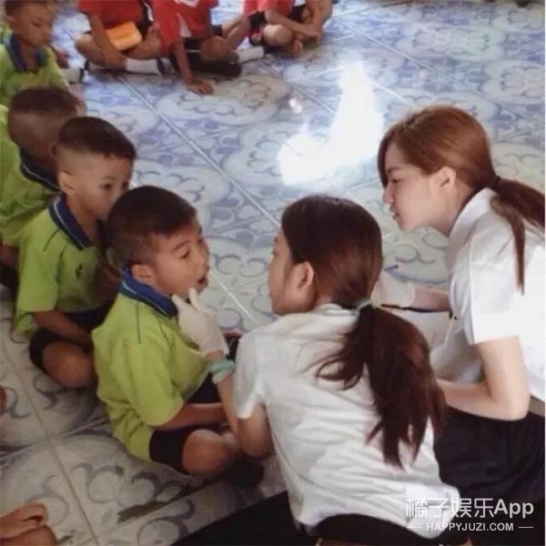 神似允儿,泰国最美牙医女神分分钟能出道