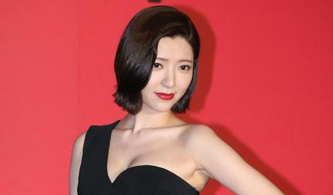 """曾经的""""台湾第一美女"""",如今却被批虎背熊腰"""