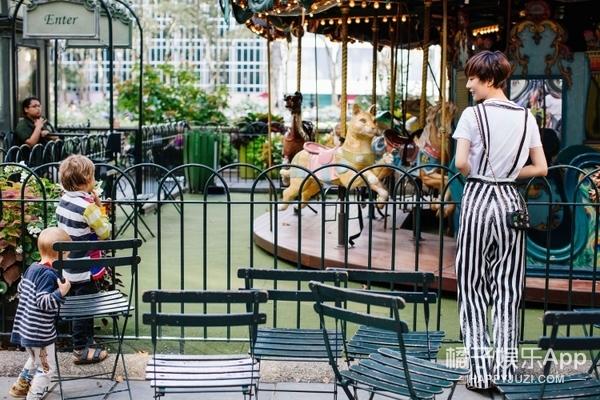 这是你从未见过的小样,王珞丹扮相干净清爽驻足纽约街头
