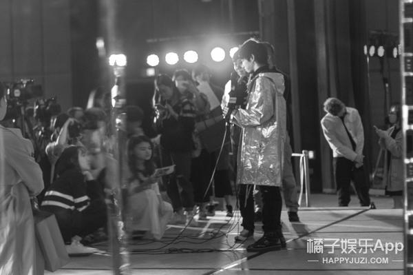 出道四年首度纪录华晨宇私密世界:被否定的偶像