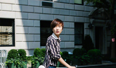 骑上自行车王珞丹化身纽约文艺女青年