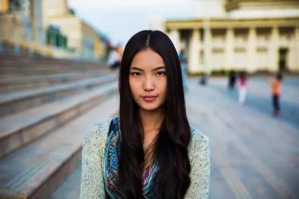 没有后期PS,29岁女摄影师拍下了37国美女照片