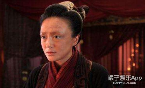 谭松韵、张丹峰大变脸!《特化师》里的造型多到你怀疑人生!
