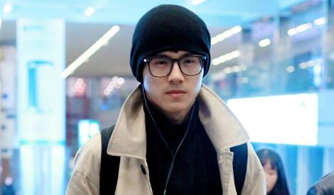 刘昊然真是听话的好孩子,保暖才是硬道理