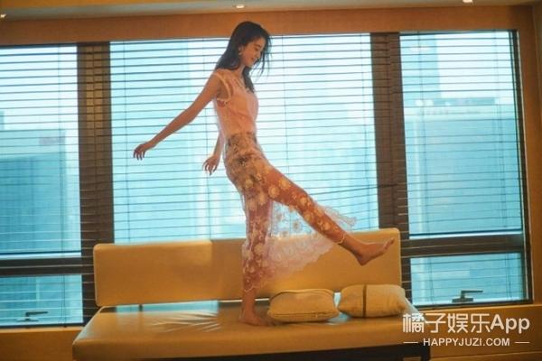 美少女张雪迎首次挑战薄纱透视,向你发起自带甜美属性的性感攻势!