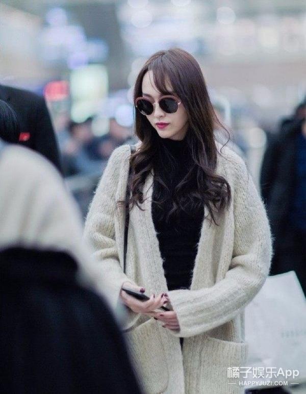 周冬雨、赵丽颖秋冬也穿毛衣开衫,穿得就比你好看!