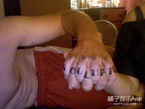 情侣纹这样的纹身,分手后真的不后悔吗?
