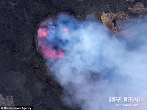 他在埃塞俄比亚的一座活火山中拍到了一张笑脸