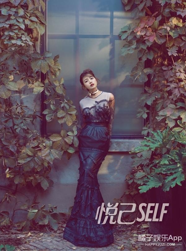 陈妍希完美蜕变,娇艳红唇仙美长裙,这是专属于她的复古优雅