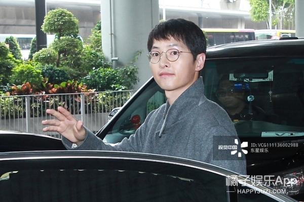 宋仲基素颜现身香港,欧巴好像胖了一些啊