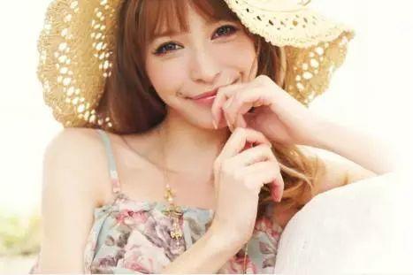 藤井莉娜现在怎样了?33岁的她美貌依旧婚后生活