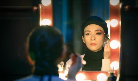 章子怡蓝盈莹合作《青衣》,再现京剧名伶