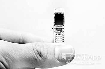 世界上最小的手机,这真的不是玩具!