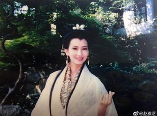 63岁白娘子竟有无痕肌 赵雅芝po美照嫩如少女