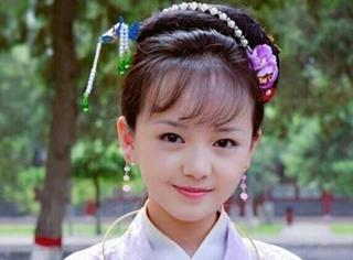 还记得《小戏骨红楼梦》里的薛宝钗吗?她15岁长这样…