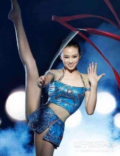 还记得《举起手来2》的赵小姐吗?她曾是体操运动员?