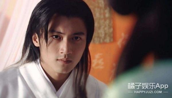 还记得《小鱼儿与花无缺》里的江枫吗?他现在长这样