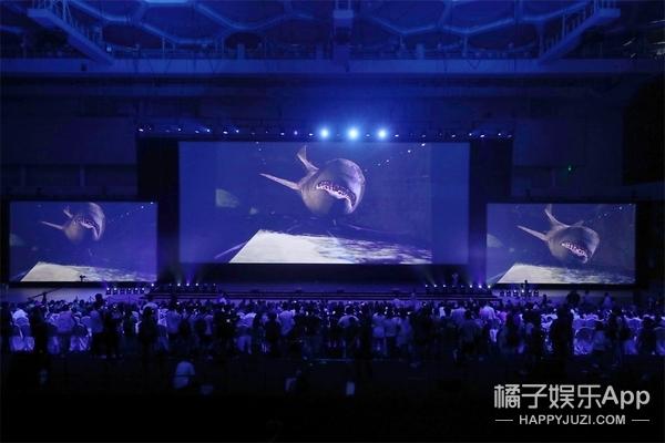 《巨齿鲨》开启中国首映礼 深海战鲨获封八月最爽大片