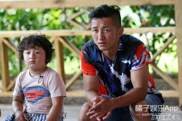 邹市明的视力已经到了国家残疾人标准,只希望他能早日康复