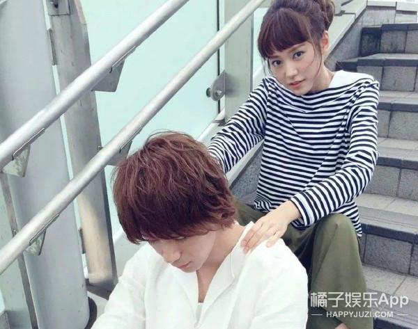 把戒指藏在饭里,日本男生最想交往的女星结婚了…