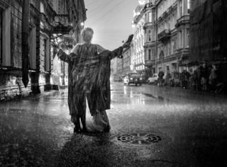 列宁格勒的《盛夏》单纯莽撞,FIRST的盛夏蓬勃热烈