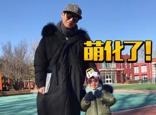 陈楚生弹吉他和儿子demo唱《遇见》,稚嫩比心萌化了!