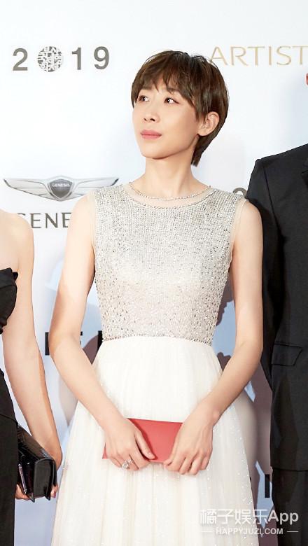 总夸韩国女星漂亮,但一到大场合就输给我们?