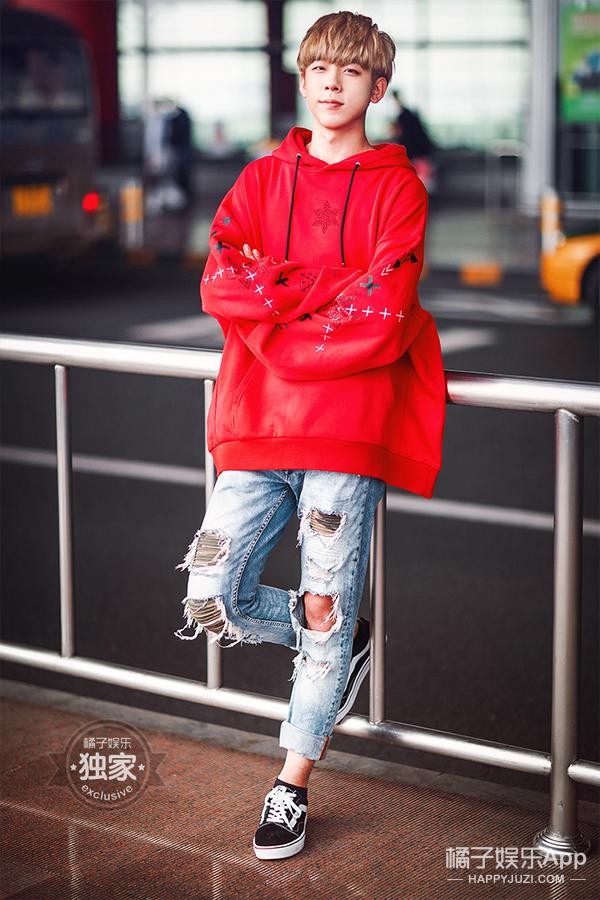 CNK小哥哥已上线!机场的潮装少年们你要pick谁?