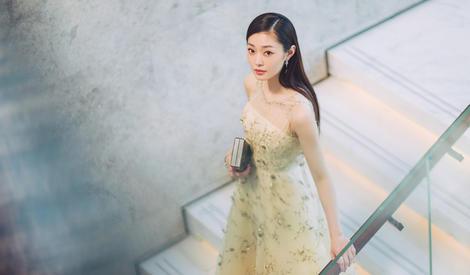 宋轶穿黄色仙女裙,为肤白貌美的小仙女疯狂打call