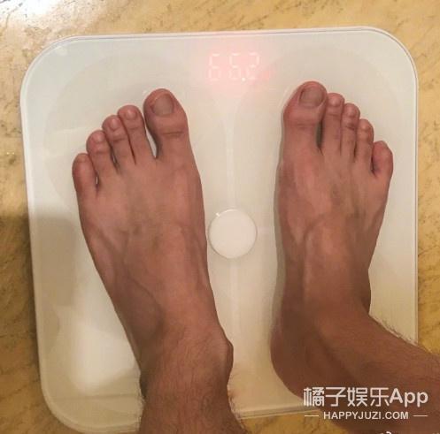 他两个月胖了20斤?