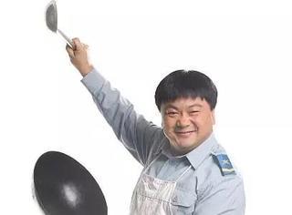 还记得《炊事班的故事》中的胖洪吗?他的儿子要比他红了?