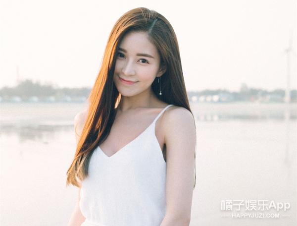 中国最壕地产总裁恋爱了?女友是《左耳》书模,却被曝疑整容