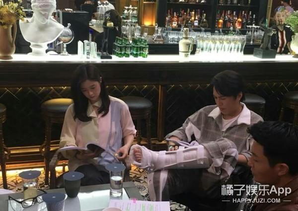 《如果岁月可回头》探班,靳东蒋欣首次挑战荧屏cp