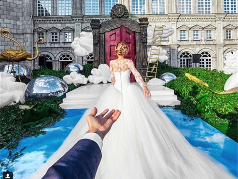 """火了这么久的""""牵手照""""情侣在环游世界后终于结婚了!"""