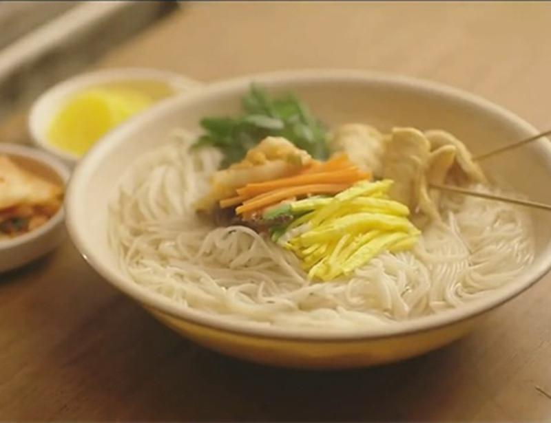 有一部丧心病狂的韩剧,从头到尾都在吃吃吃