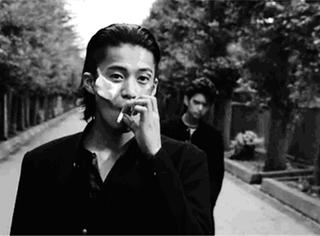 小栗旬一定是我见过的抽烟最帅的男生!!!