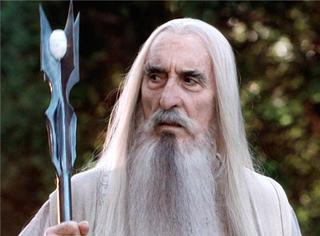 """间谍?慈善大使?还原真实又传奇的""""白袍巫师"""""""