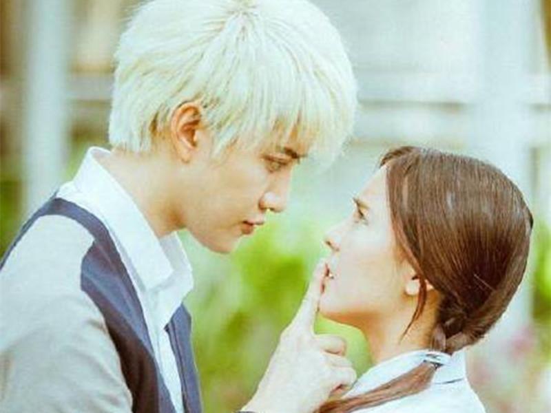 泰版《一吻定情》55秒预告片,光恩爱就秀了7次