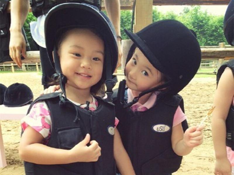 """甜馨&奥莉:有个超人气女子天团叫""""馨奥尔良组合"""""""
