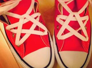 据说现在都流行这么系鞋带了,一学你也会!