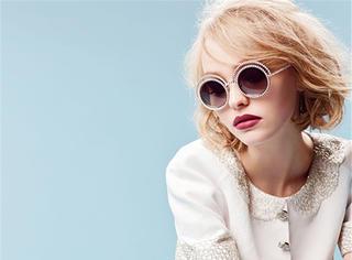 德普女儿Lily Depp成Chanel代言人 人生赢家的女儿果然还是赢家