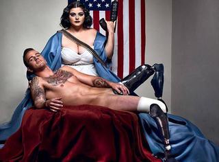 展示性感与忠诚 美军伤残军人全裸出镜
