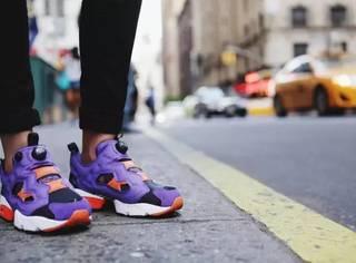 你还在穿白球鞋 城里人已经换上了花色运动鞋!