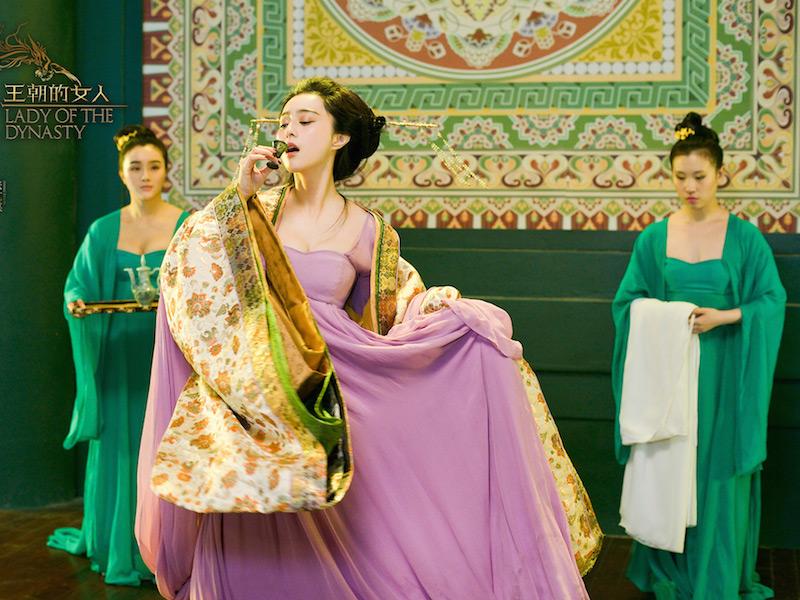 范冰冰露乳不奇怪 但你知道为啥露胸的都是唐朝女人吗?