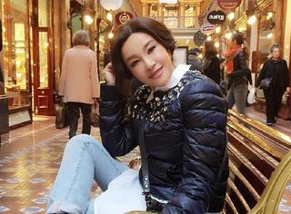 刘晓庆阿姨拍了6张照片 换了6个Pose 但脸上却换不了表情了!
