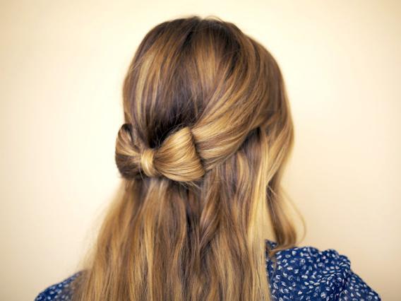 """可爱甜美的""""蝴蝶结""""发型 你不试试吗"""