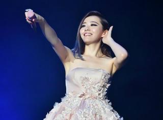 张靓颖:就算摔下舞台,也要high翻全场!